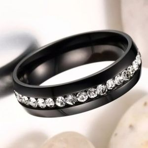 Titanium Stainless Steel Ring/Band Size: 7